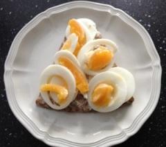 """Ägg på knäcke med """"bara"""" salt"""
