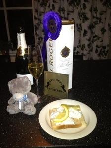 Champagne och Toast Skagen vid hemkomsten 23:30 - ingen viktspecial men sååå väl värt :)