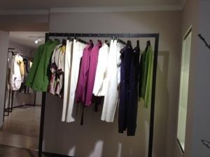 Byxor, skjortor kjolar