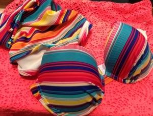 Bikini och solklänning