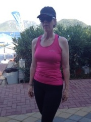 Galen människa - sprang även i Turkiet 32 grader varmt...