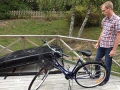 Hur får vi med cykeln till Skåne? Släpet är fullt av häst...